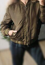 M-L H&M куртка бомбер хаки утепленна