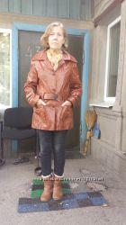 Новая шикарная кожаная куртка размер 42