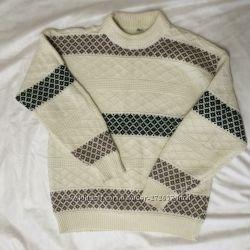 Итальянский шерстяной свитер размер М-L