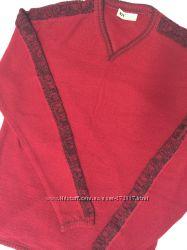 Красный мужской свитер состояние нового