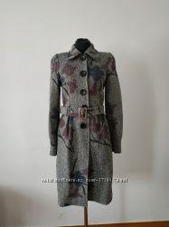 Строгое серое пальто в цветы дизайнерский пошив, Новое