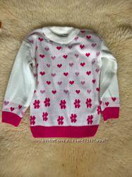 Нарядный белый свитер в сердечки 2-3 года