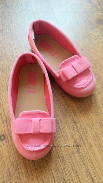красивые туфельки по стельке 16, 5см.