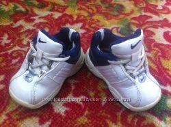кроссовки Nike для малышей 18размер