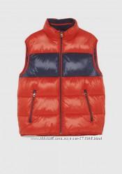 Красная дутая жилетка Zara. Оригинал.