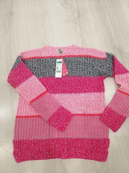 Очень красивый свитер для юной барышни
