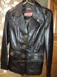 Кожаный пиджак р. s, новый
