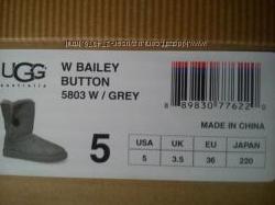 UGG Women&acutes Bailey Button Boot