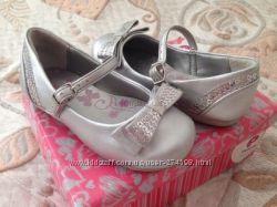 Кроссовки, босоножки, туфли для девочек новое и Бу