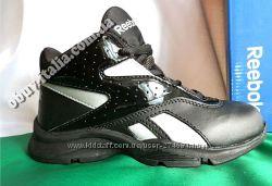 Ботинки детские кожаные фирмы Reebok  оригинал