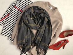 Стильный объемный шарф палантин