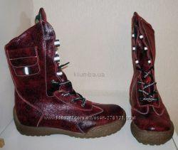 Ботинки кожаные, внутри натуральная шерсть. Стелька 26, 0 см.