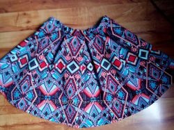 плотная юбка, держит форму