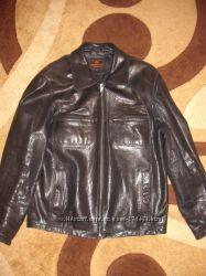 Продам мужскую кожаную куртку в отличном состоянии бу
