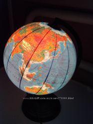 Глобус с подсветкой - политический превращается в физический.