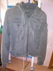 Легкая стильная курточка