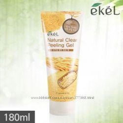 Пилинг-скатка с экстрактом коричневого риса Ekel Natural Clean Peeling Gel