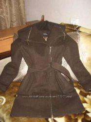 Пальто демисезонное 44р.