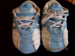 Пинетки - кроссовки Adidas р. 18