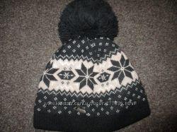 Фирменная зимняя шапка на 7-8 лет