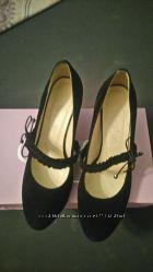 Женские кожаные туфли на каблуке 38 размер