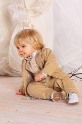 Строгий костюм маленьким джентльменам