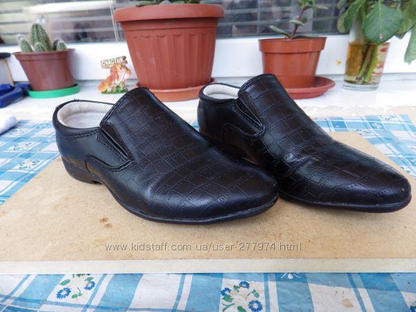 Туфли на мальчика 27р