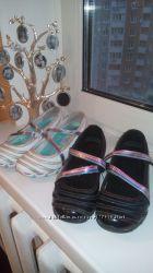 Фирменные туфли Skechers белые и черные