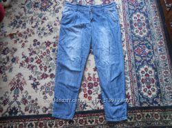 джинсы к низу заужены