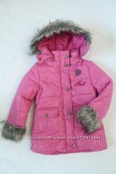 Куртка розовая с капюшоном с мехом. Распродажа.