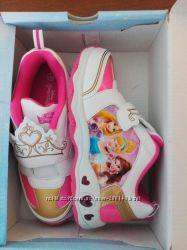 Кроссовки Disney Princess с мигалками. 34р. Стелька 22. 5см.
