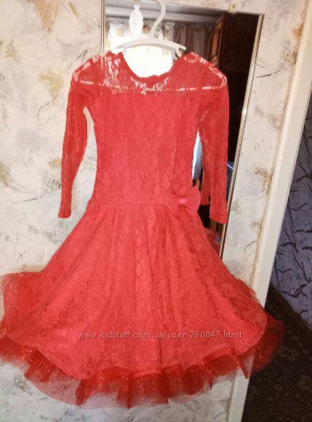 Продам платье для бальных танцев.