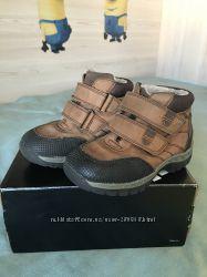 Демисезонньіе ботиночки Next