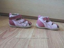 Ортопедические  сандалики фирмы ORTOPEDIA. Размер 19
