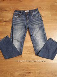 Фирменные джинсы рост 140