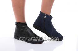 Кожаные ботинки Classic Fashion 0558. Черный и синий. Все размеры