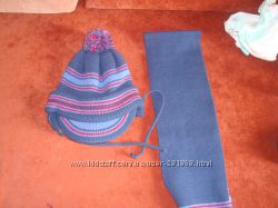 Зимняя шапочка и шарфик в отличном состоянии фирмы TuTu