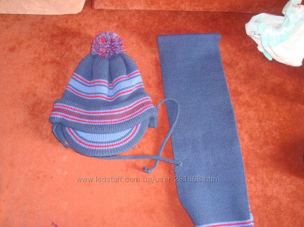 Зимняя шапочка и шарфик в идеальном состоянии фирмы TuTu