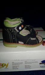 кожаные туфельки и босоножки 20 и 21р