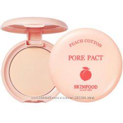 Компактная матирующая пудра Skinfood Peach Cotton Pore Pac для сужения пор