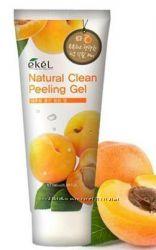 Натуральный пилинг-скатка с экстрактом абрикоса Ekel Apricot Natural Clean