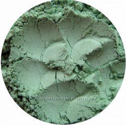 Матовые и сатиновые минеральные тени. Зеленые оттенки