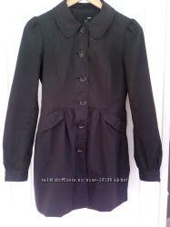 Легенька чорна курточка H&M.