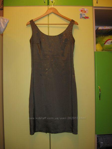 Платье - футляр 46р.
