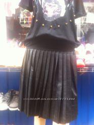 Pull&Bear стильная юбка плиссе под кожу, р. М