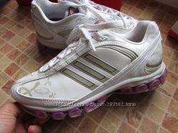 кроссовки для девушки Adidas длина по стельке 24, 5 см