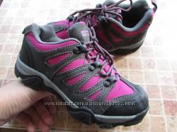 трекенговые кроссовки для девочки Mountain Warehouse длина по стельке 21, 5