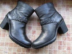 кожаные ботинки для девушки Clarks длина по стельке 26 см