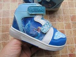 ботинки кроссовки детские Disney мигают при ходьбе длина по стельке 13,5 см