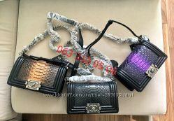 Женская Кожаная сумка Chanel Boy Mini